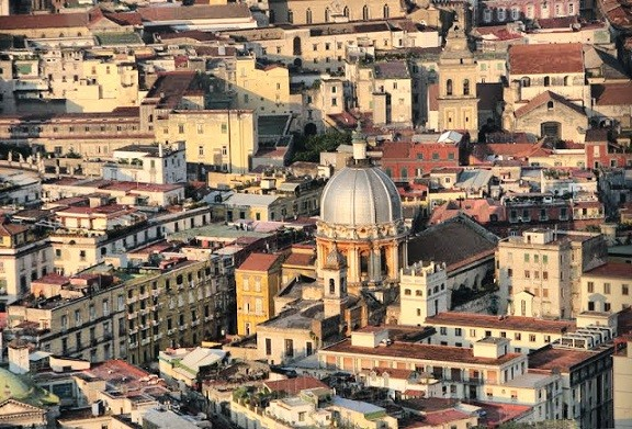 Napoli, orasul contrastelor